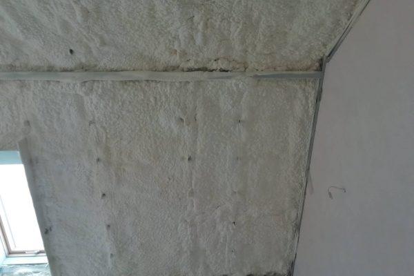 Izolacja poddasza pianką otwarto-komórkową w miejscowości Szczodre6