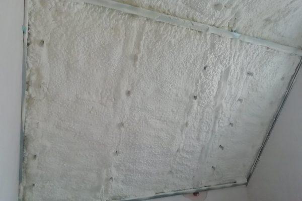 Izolacja poddasza pianką otwarto-komórkową w miejscowości Szczodre7